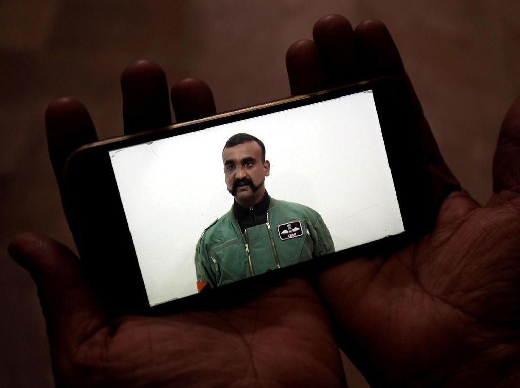 Pakistan Bebaskan dan Pulangkan Pilot India yang Sempat Ditahan