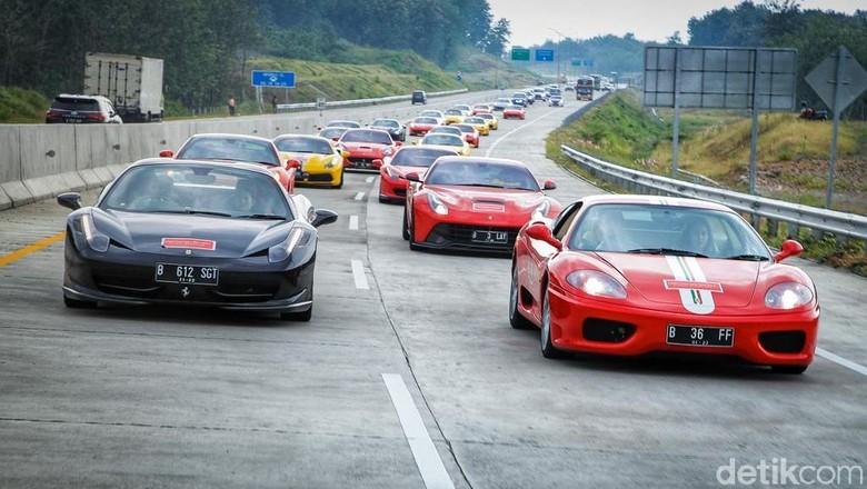 Ada yang Pakai Ferrari Buat Mudik?