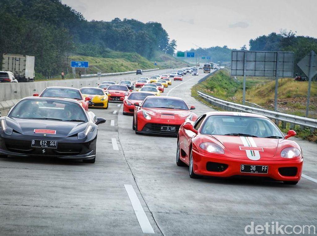 Pajak Ferrari Setahun Setara Harga LCGC
