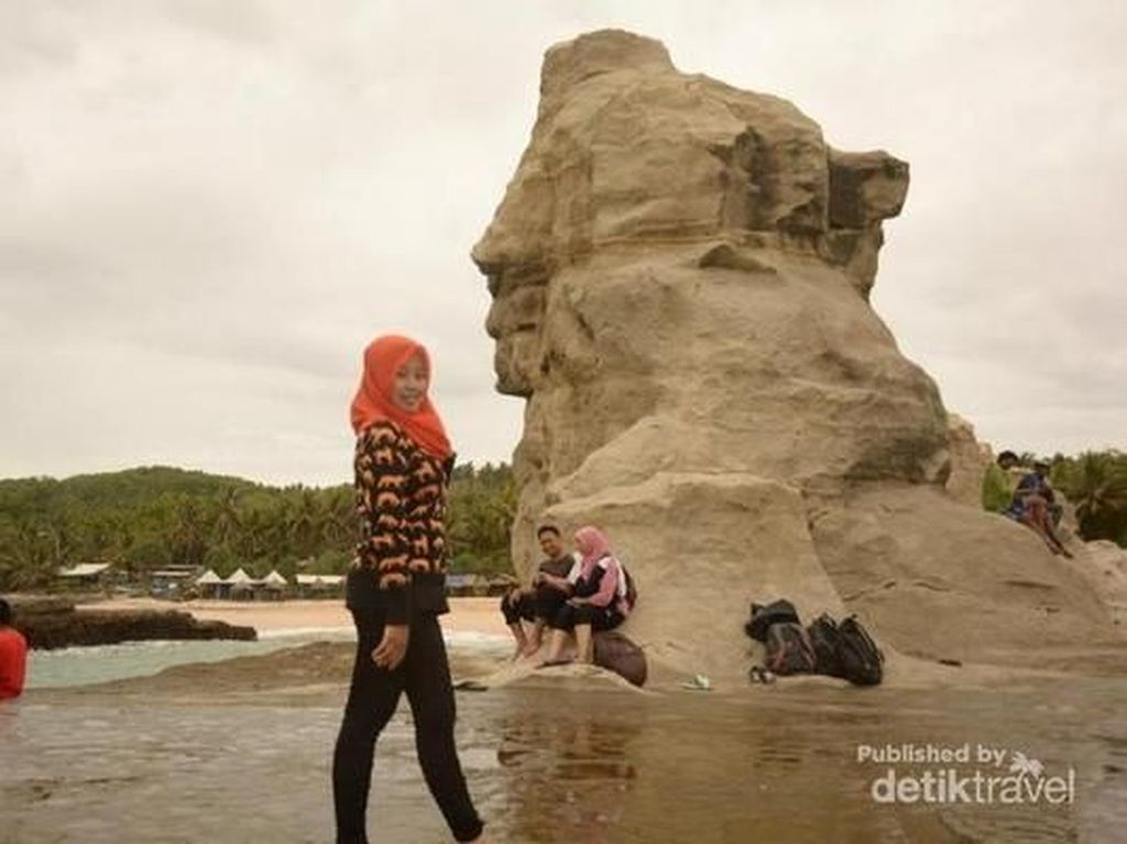 Jika Sphinx Mesir Menjaga Piramida, Kalau di Pacitan Jaga Lautan