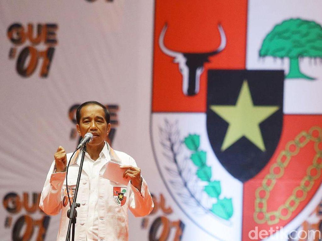 Jokowi Naikkan Gaji PNS Jelang Pilpres