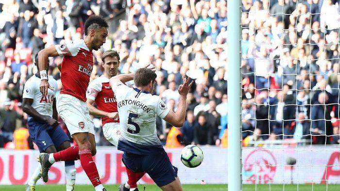 Arsenal bermain imbang 1-1 dengan Tottenham Hotspur di Wembley. (Foto: Julian Finney/Getty Images)