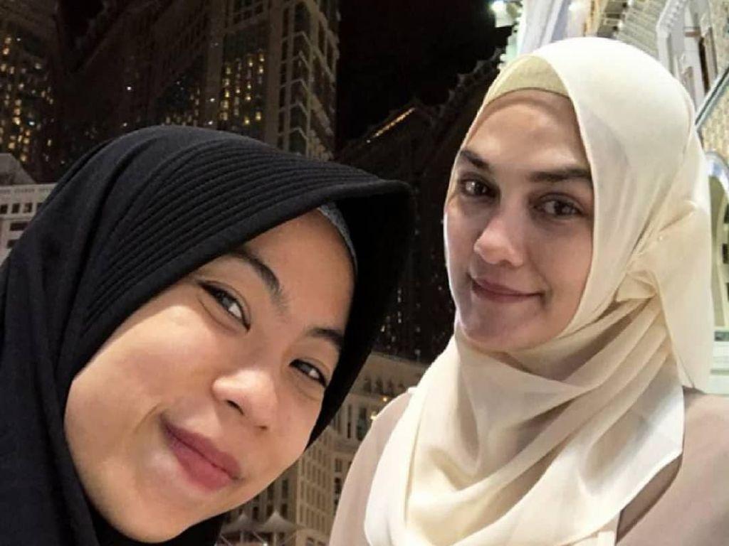 Gaya Luna Maya Pakai Hijab Saat Umrah, Jadi Perhatian Karena Mata Sembab