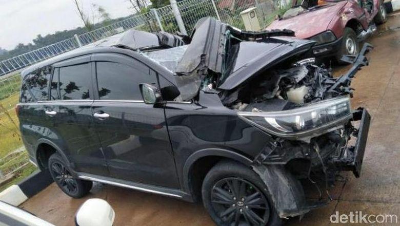 Ilustrasi mobil kecelakaan Foto: Dok Satlamtas Polres Batang/detikcom