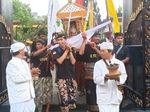 Sebelum Nyepi, Ribuan Umat Hindu Upacara Melasti di Surabaya