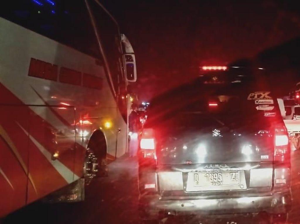 Tol Cikampek Arah Jakarta Macet di Sejumlah Titik