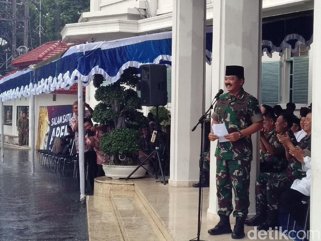 Datang ke Malang, Panglima TNI Kangen Mendol dan Menjes
