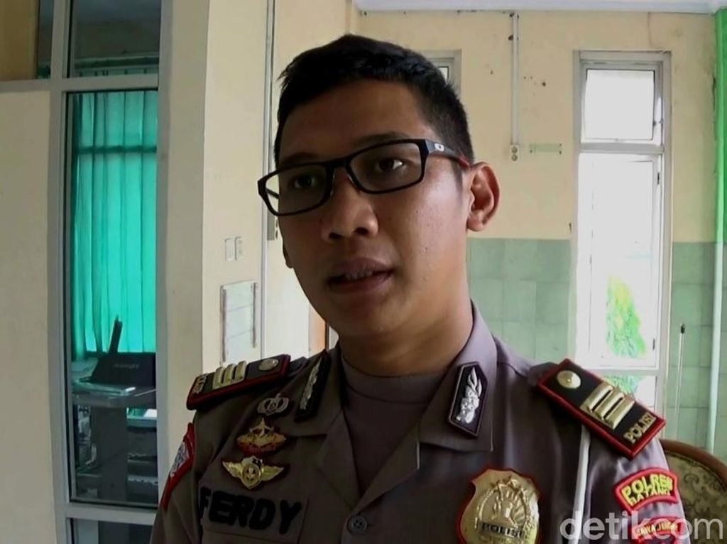 Polisi Temukan Pengemudi dan Truk Tronton di Kendal