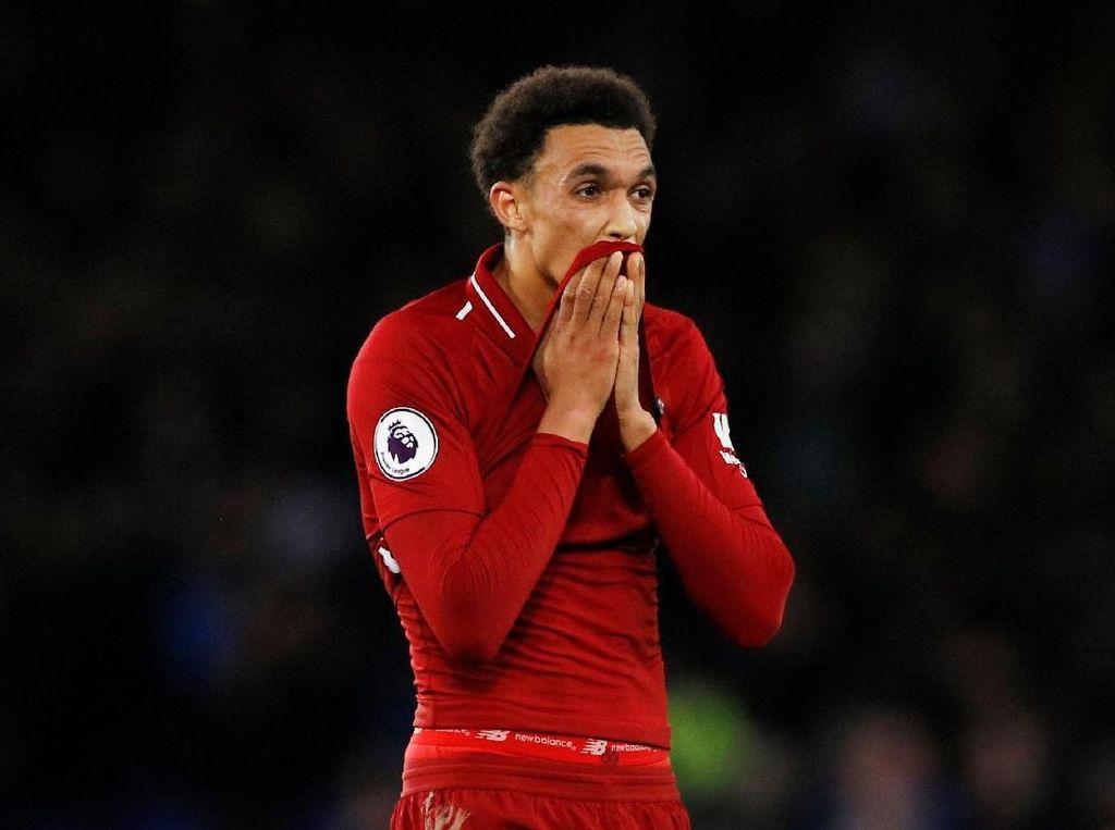 Cedera Paksa Alexander-Arnold Pulang ke Liverpool dan Tinggalkan Timnas