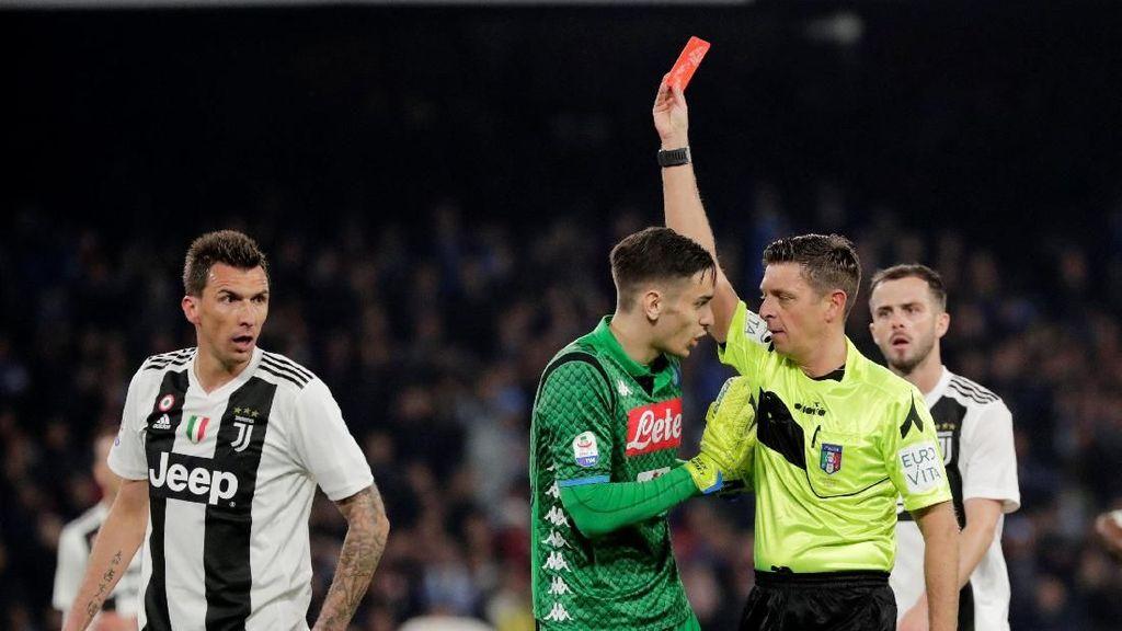 Dua Kartu Merah Warnai Kemenangan Juventus atas Napoli