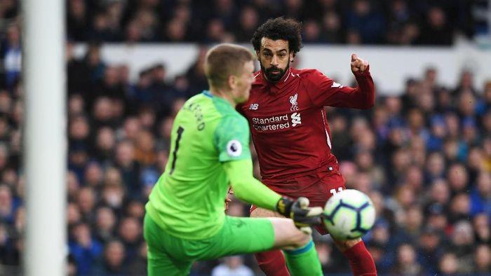 Liverpool hanya bisa bermain imbang dengan Everton, hasil ini membuat mereka gagal merebut kembali puncak klasemen Liga Inggris (Shaun Botterill/Getty Images)