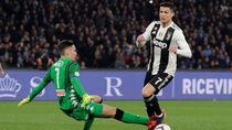 Buat Kiper Napoli Dikartu Merah, Ronaldo Diving?