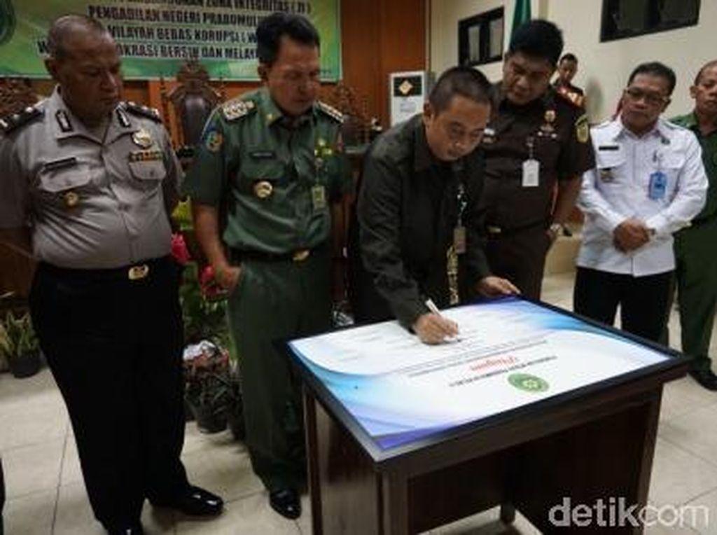 Teken Zona Bebas KKN, Ketua PN Prabumulih: Hakim Korupsi Laporkan!