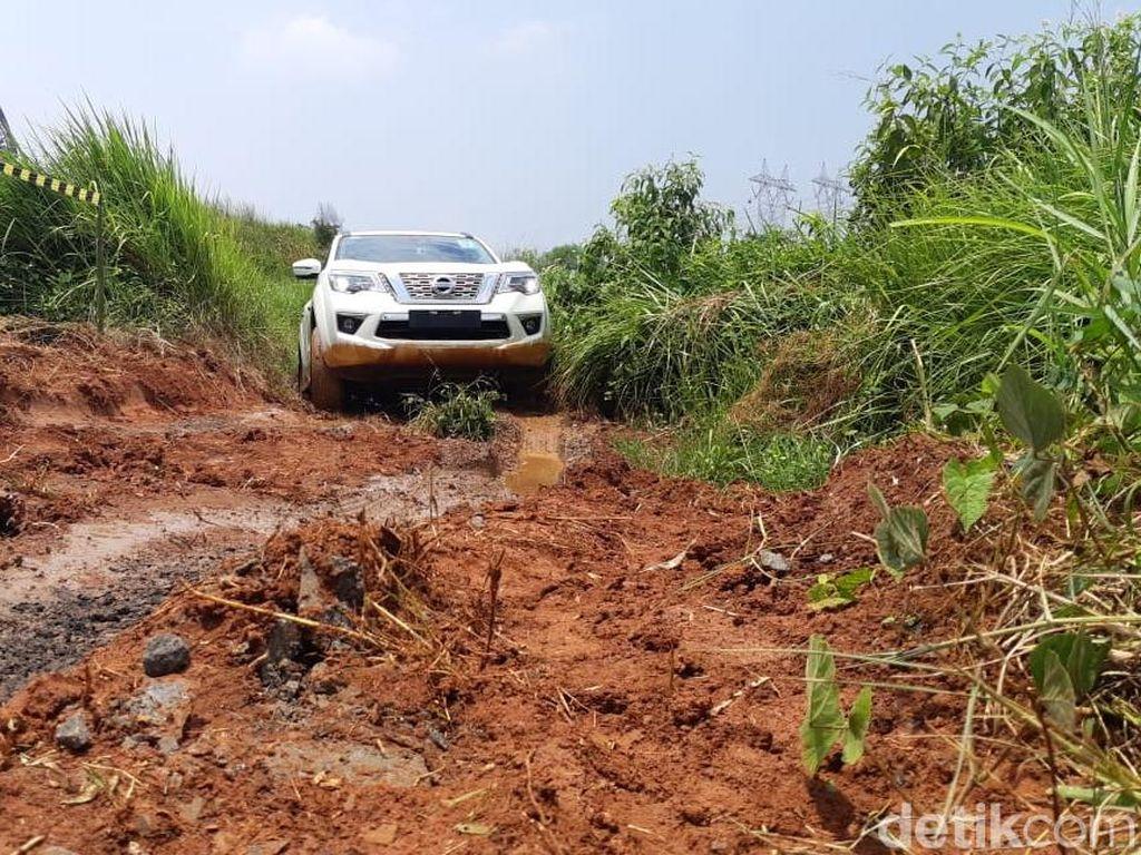 Nissan Menilai, SUV Cocok untuk Kontur Jalan di Banten