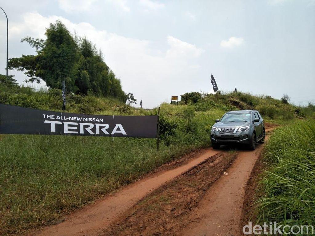 Nissan Terra Masih Sulit Dobrak Dominasi Pajero Sport dan Fortuner