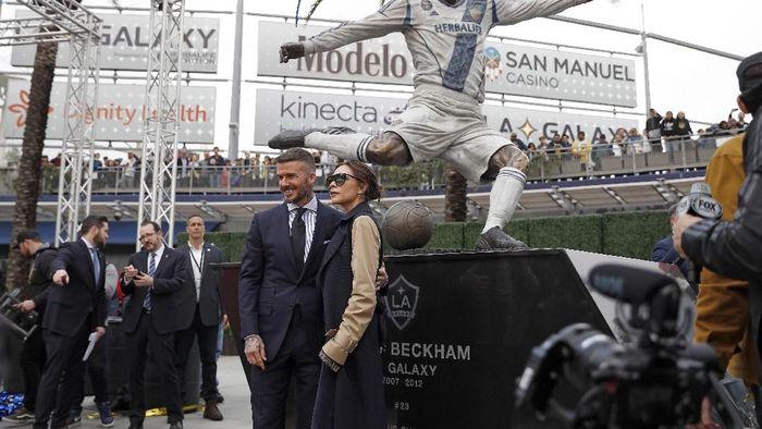 Patung David Beckham di depan markas LA Galaxy (Meg Oliphant/Getty Images)