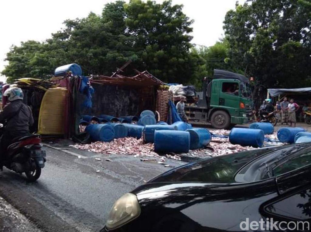 Rem Blong, Bus Tabrak Lima Kendaraan di Pasuruan