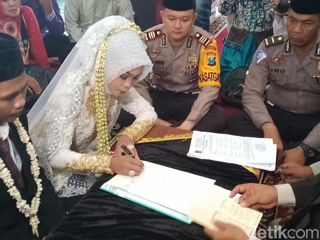Sah! Tahanan Polres Nganjuk Nikahi Gadis Pujaan di Kantor Polisi