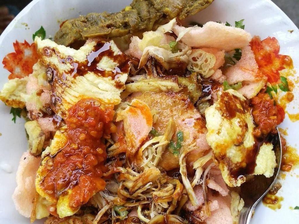 Momen Kulineran Adik Aliya Rajasa hingga Cara Makan Bubur Tak Diaduk