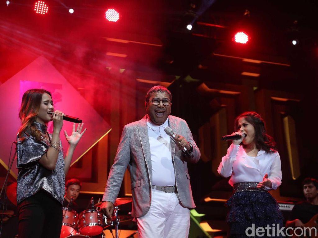 Momen Mengheningkan Cipta untuk Ibunda Mikha Tambayong di BNI Java Jazz
