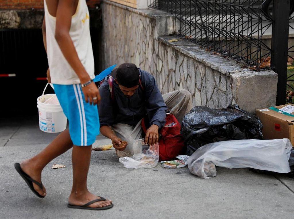 Kelaparan Saat Corona, Warga Venezuela Makan Darah Sapi