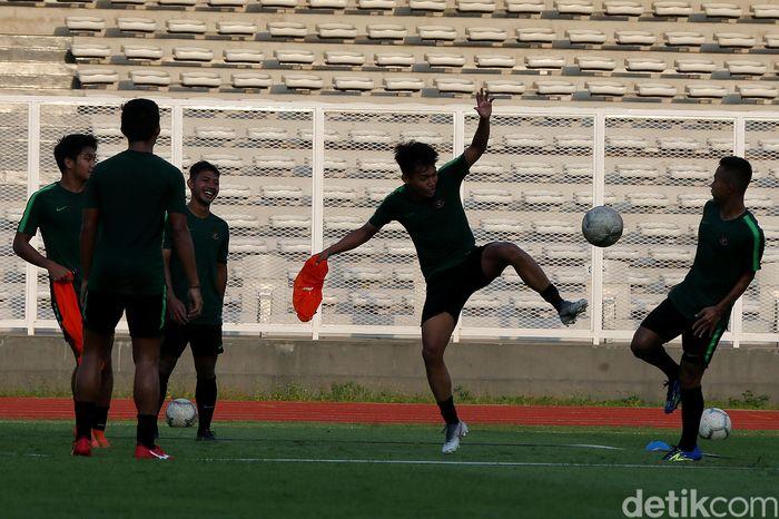 Timnas U-22 mulai menggelar pemusatan latihan di Stadion Madya, Senayan, Senin (4/3/2019) sore.