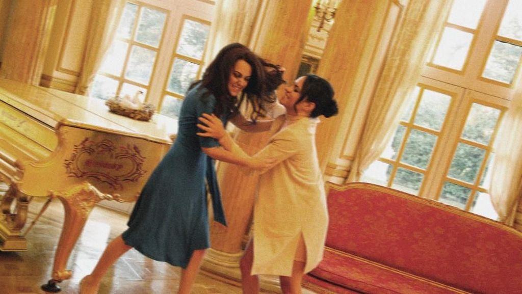 Saat Kate Middleton & Meghan Markle Bertengkar, Jambak Hingga Tendang