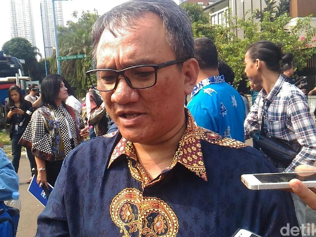 Andi Arief Masih Diperiksa, Polisi Telusuri Sumber Sabu