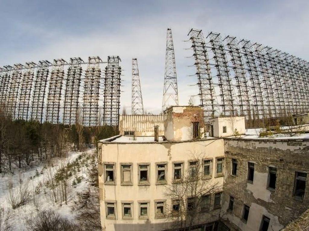 Foto: Antena Pengendali Pikiran Peninggalan Perang Dingin