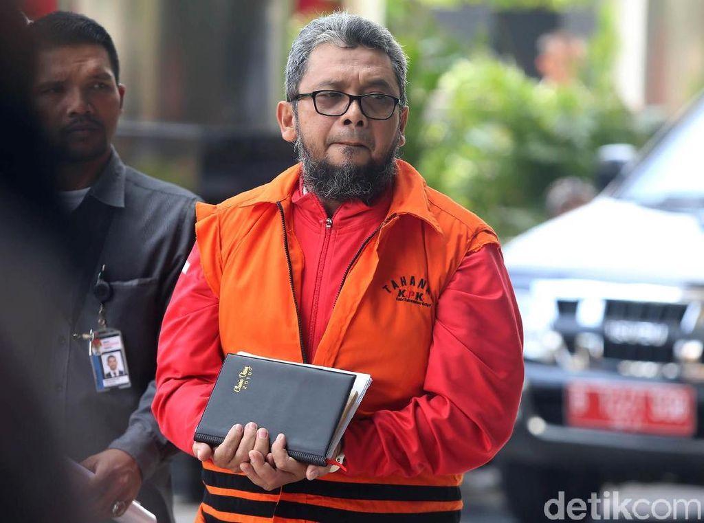 Tahanan KPK Ini Malu Tangannya Diborgol