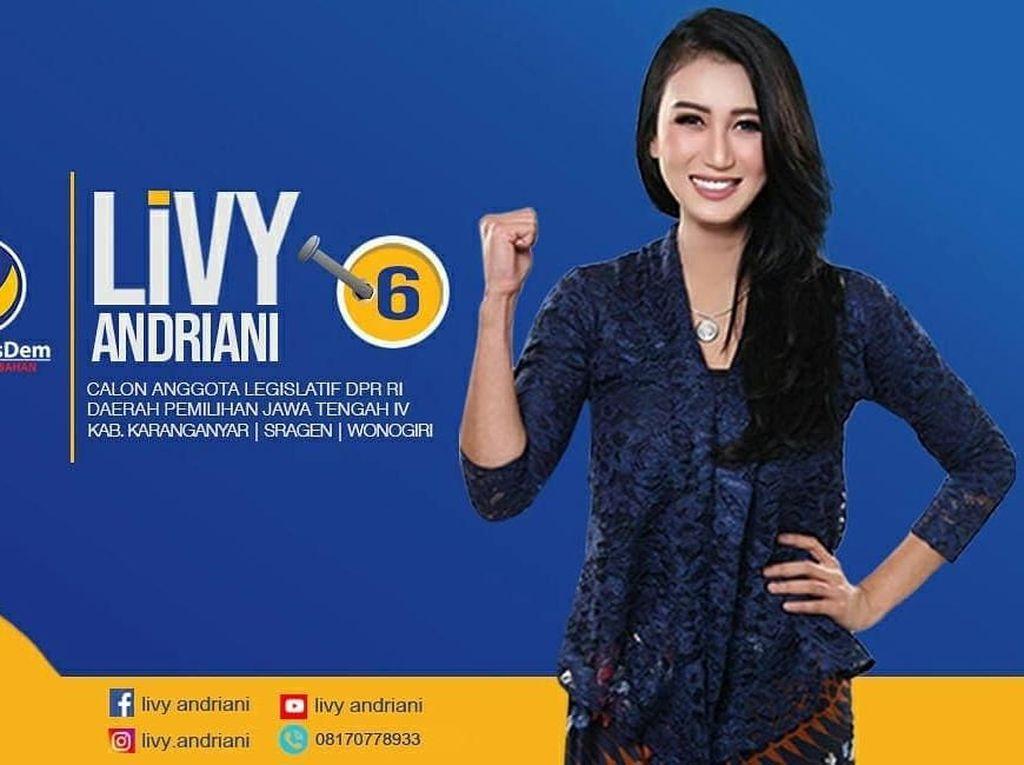 Bukan Livy, Siapa Perempuan L di Kamar Andi Arief?