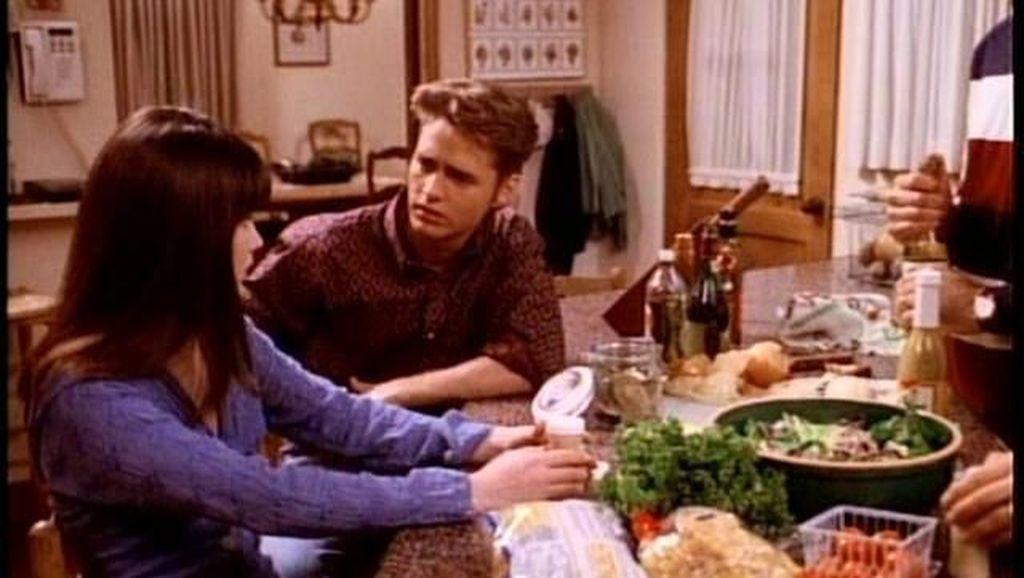 Mengenang Pemeran Dylan Beverly Hills 90210 yang Tutup Usia Karena Stroke
