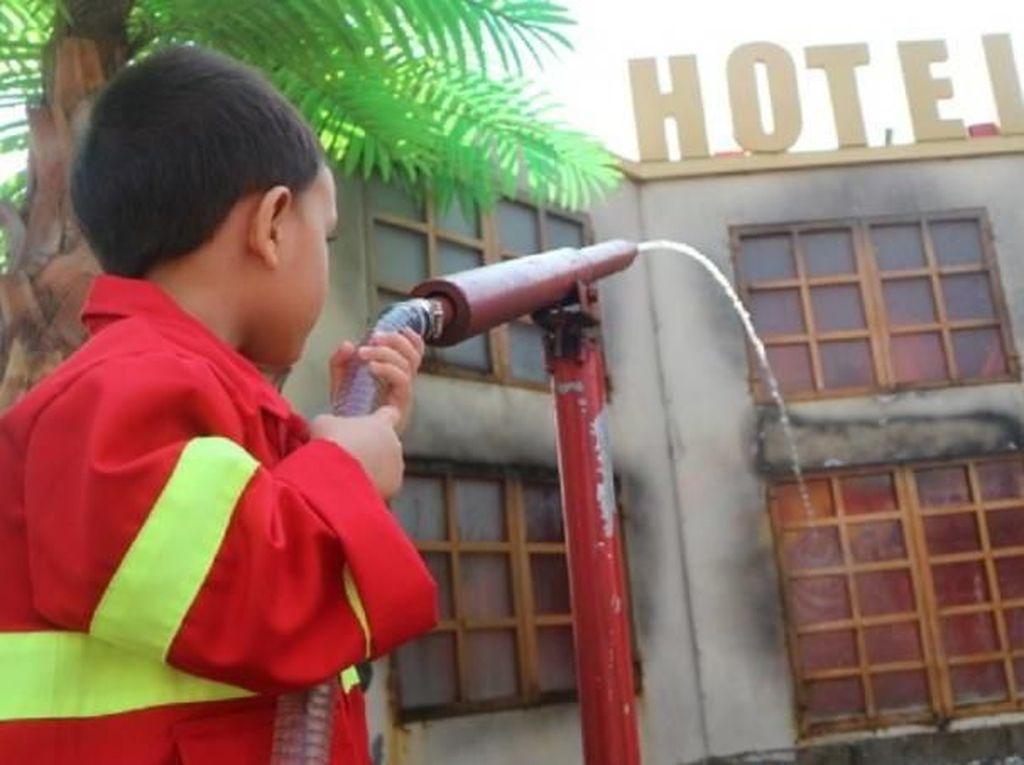 Libur Panjang, Yuk Ajak Si Kecil ke Kota Mini di Lembang