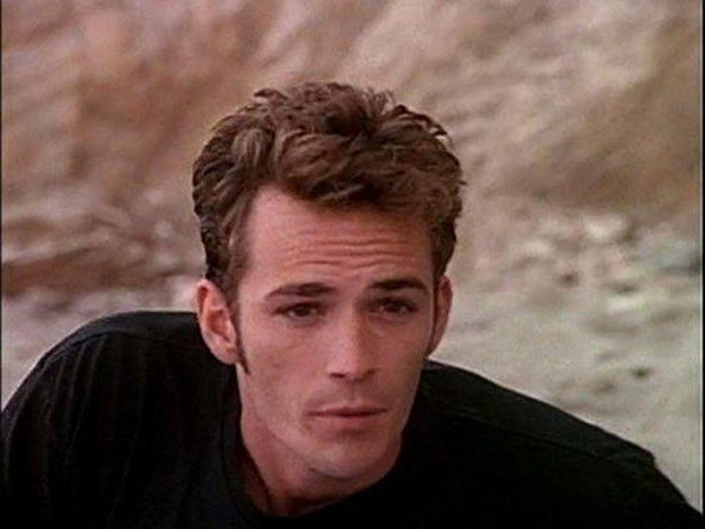 Mengenang Luke Perry Si Tampan Dylan di Beverly Hills 90210
