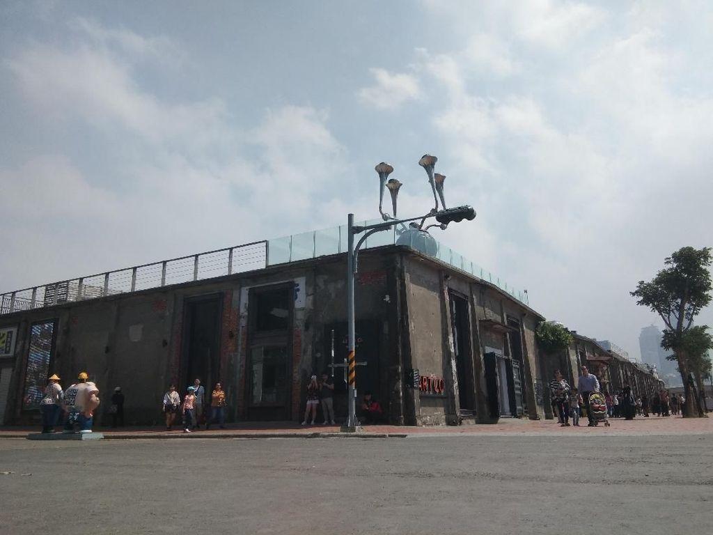 Menengok Tempat Nongkrong Milennial Taiwan di Bekas Gudang Pelabuhan