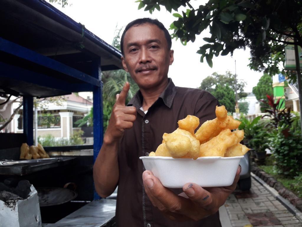 Penjual Cakwe Nur Wahid Habiskan Rp 250 Juta untuk Kampanye Caleg
