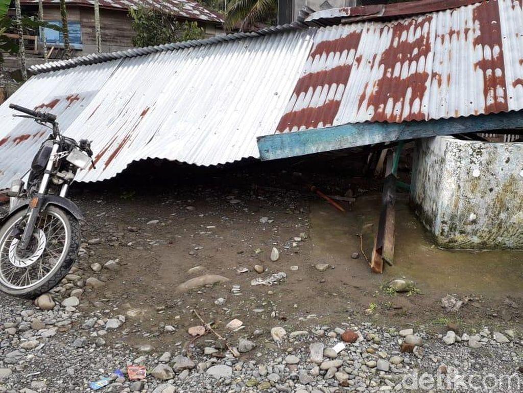 Hujan Es-Angin Puting Beliung Landa Pidie Aceh, 6 Rumah Rusak