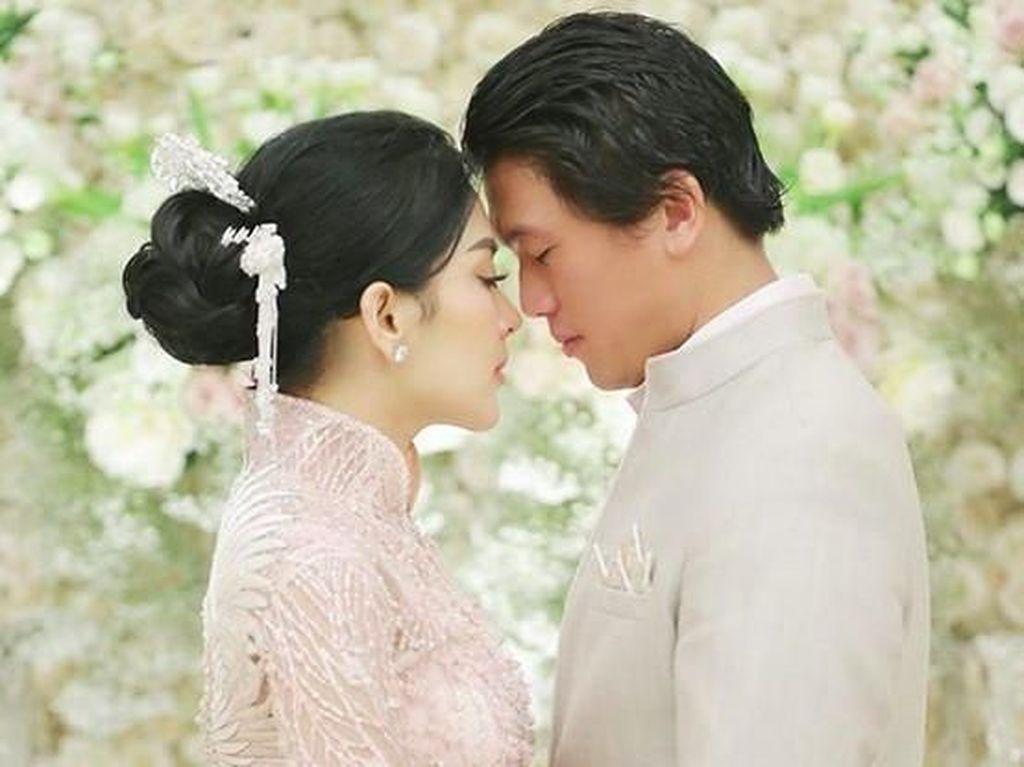 Benarkah Pernikahan Syahrini dan Reino Barack Habiskan Rp 14 M?