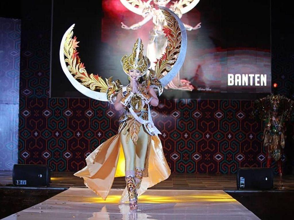 Foto: Hebohnya Kostum Daerah Para Finalis Puteri Indonesia 2019