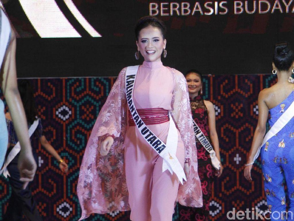 Melihat Kecantikan 15 Finalis Puteri Indonesia Dibalut Gaun Malam