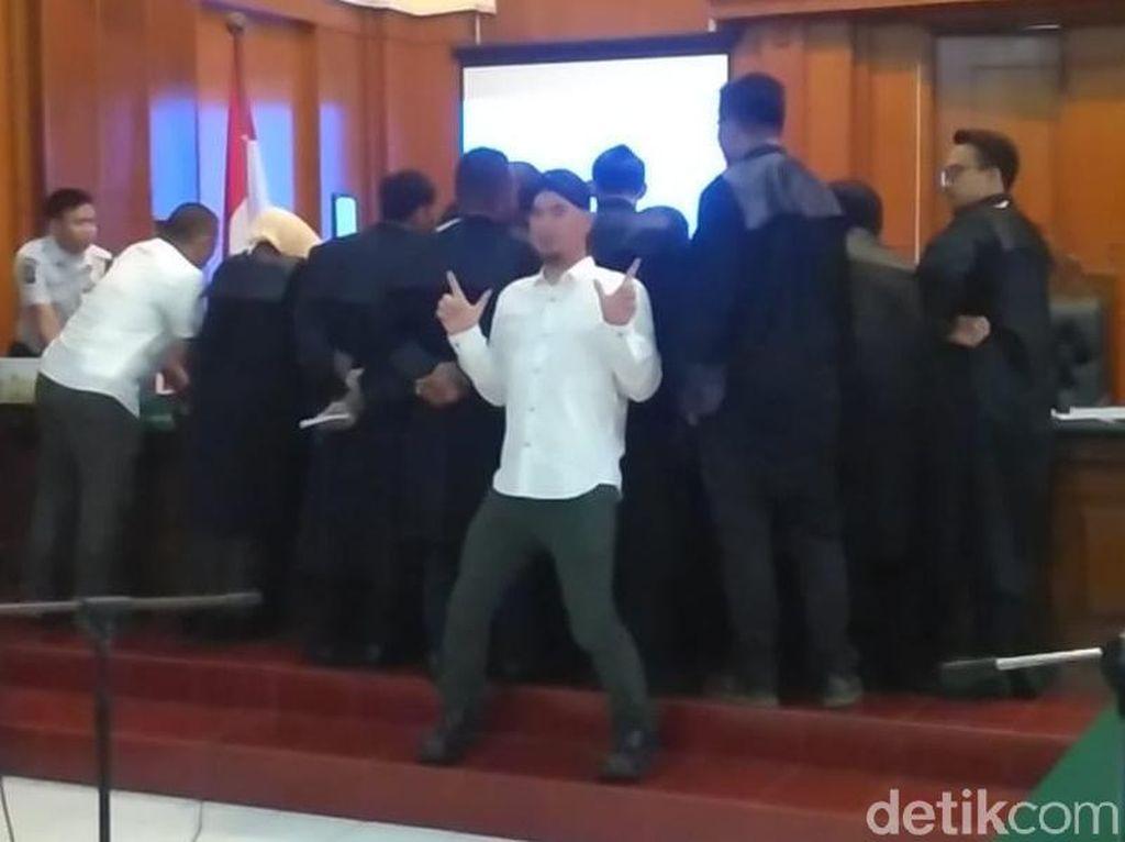 Angin Segar untuk Ahmad Dhani Terasa di Sidang Keenam Kasus Idiot