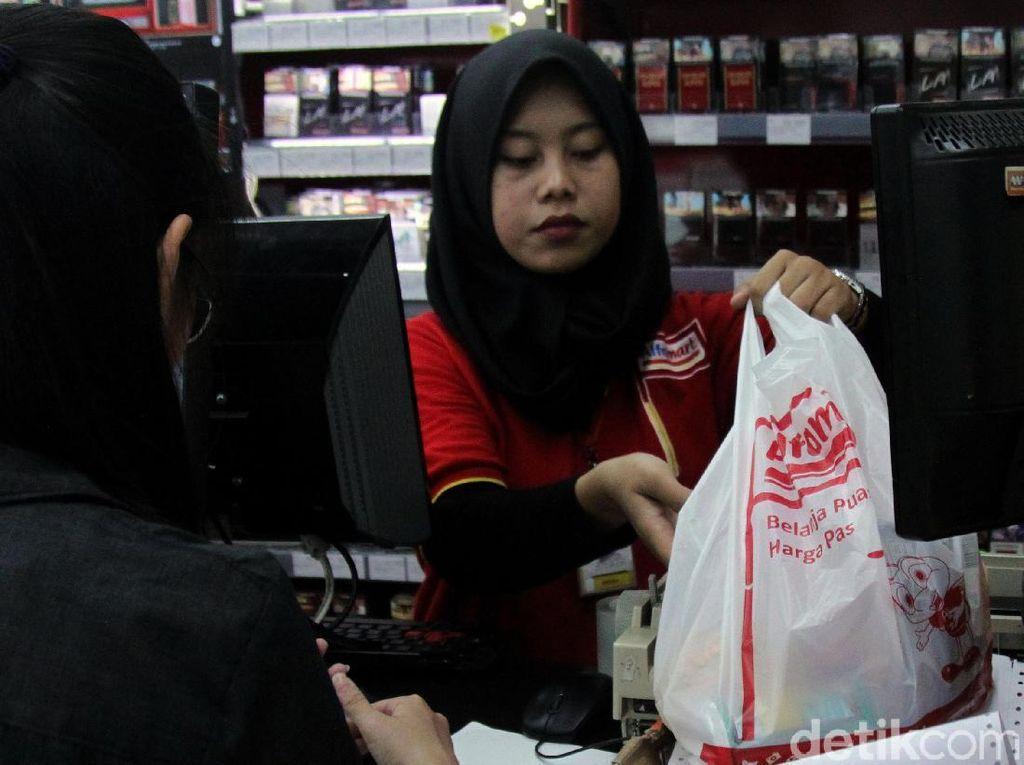 DKI Larang Pemakaian Kantong Plastik 1 Juli, Awas Ada Sanksinya!