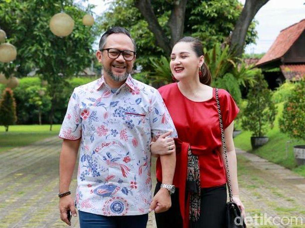 Mona Ratuliu & Suami: Banyuwangi Pas Banget Buat Bulan Madu