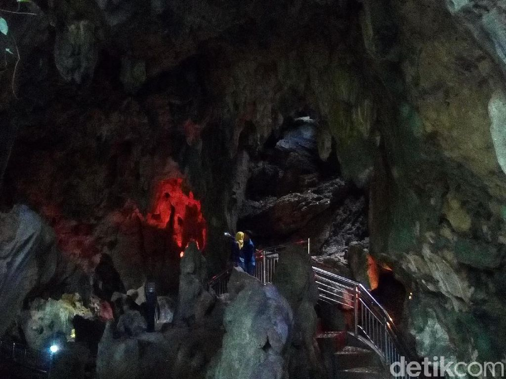 Foto Rekomendasi Wisata di Grobogan: Gua Lawa & Gua Macan