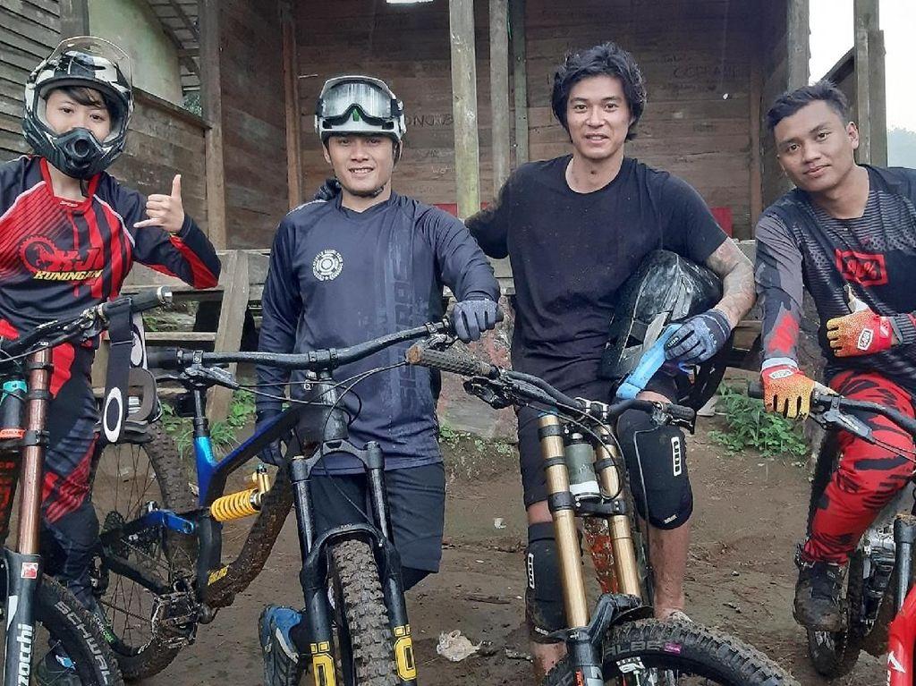 My Trip My Adventure: Ngegombal di Jawa Barat