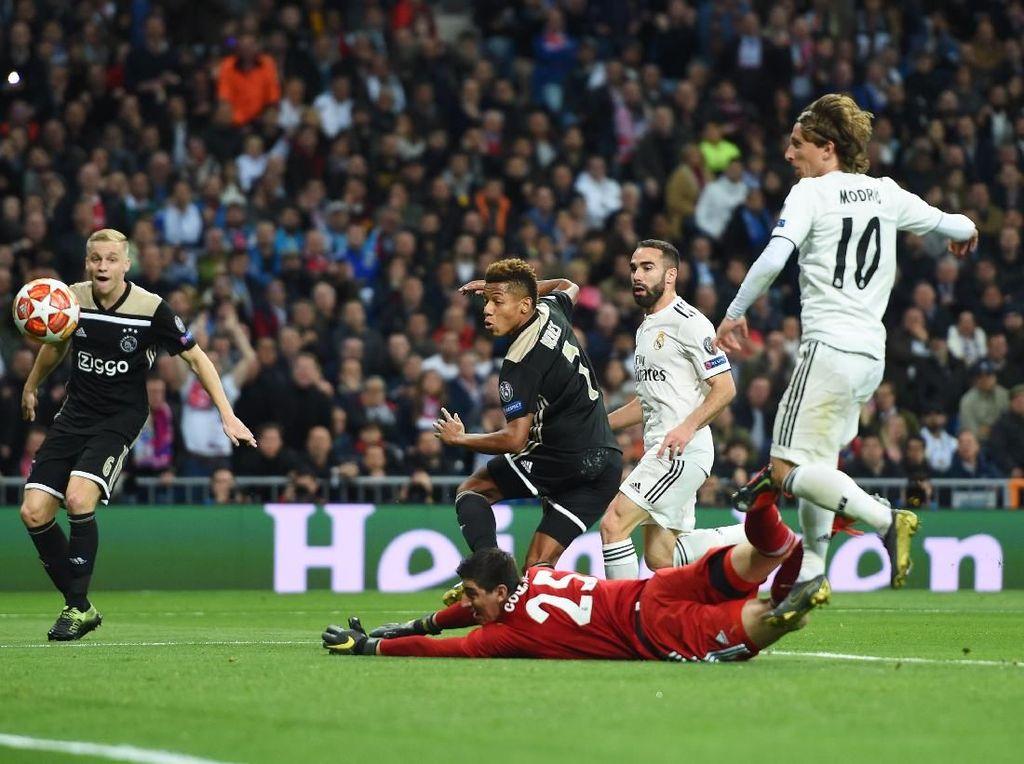 Foto: Liburannya David Neres, Bintang Ajax yang Hancurkan Madrid