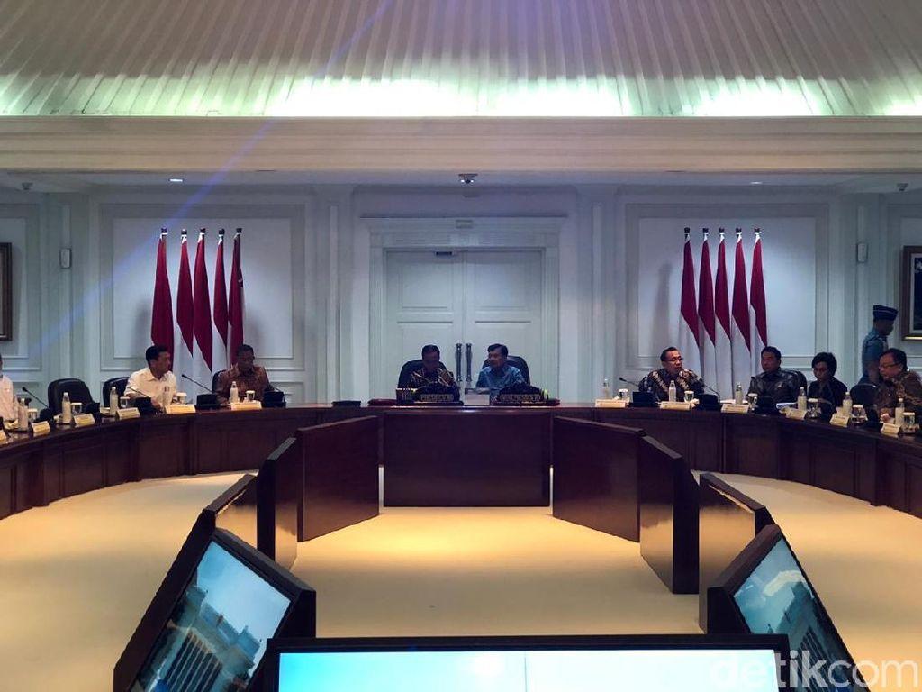 Buka Sidang Kabinet, Jokowi Minta Para Menteri Jaga Ekonomi RI