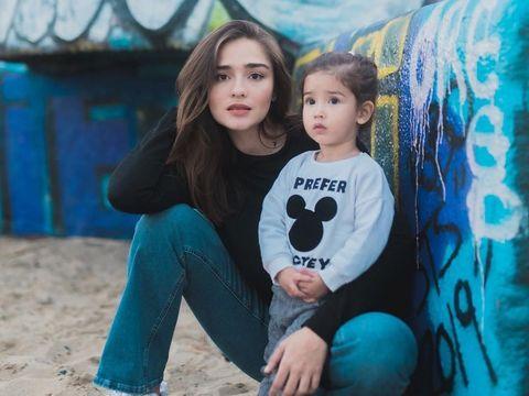 Tekad Yasmine Wildblood Lahirkan Anak Kedua Secara Normal