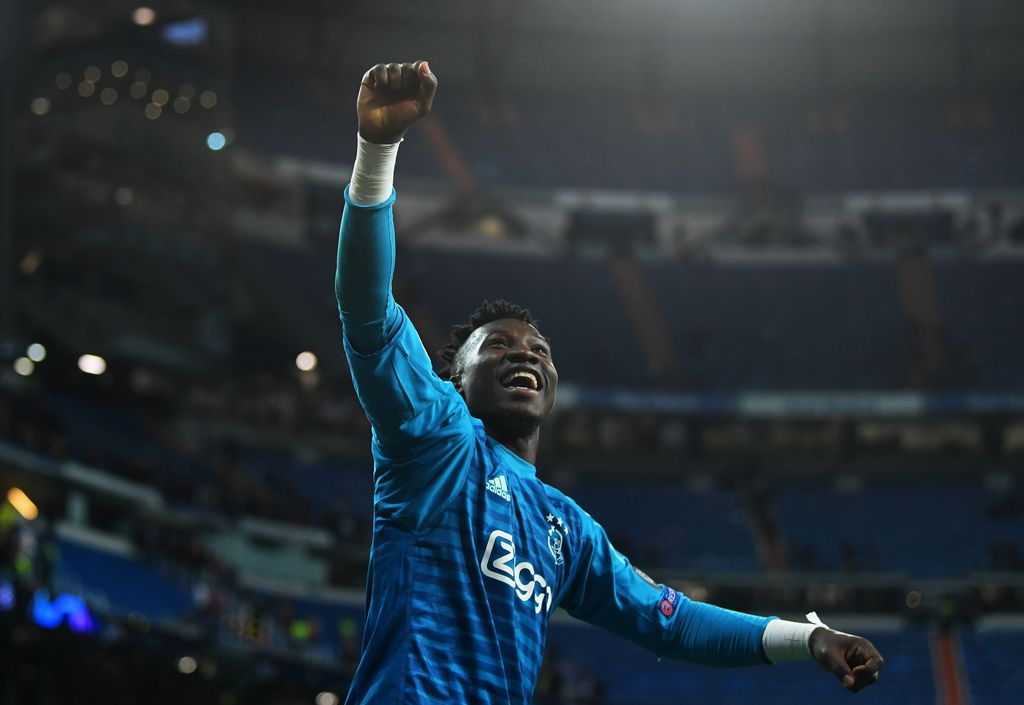 MADRID, SPAIN - MARCH 05:  Andre Onana of Ajax celebrates victory after the UEFA Champions League Round of 16 Second Leg match between Real Madrid and Ajax at Bernabeu on March 05, 2019 in Madrid, Spain. (Photo by David Ramos/Getty Images)