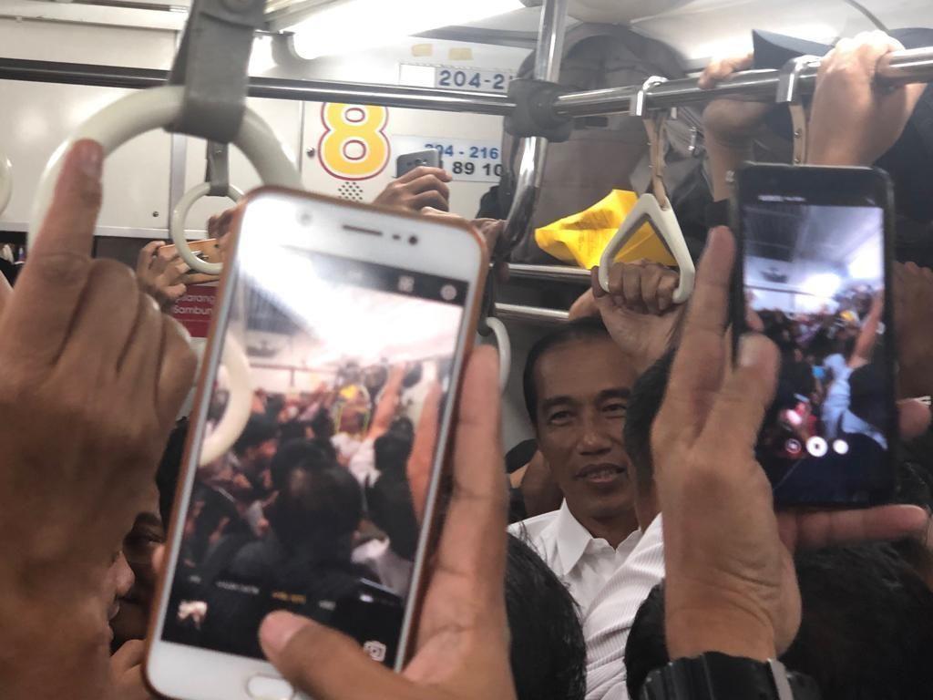 Jokowi Dapat Bekal Ambil Kebijakan dari Desak-desakan
